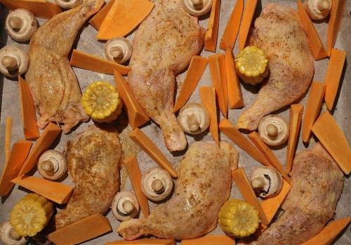 Sørstat marinert kyllinglår med søtpotet båter